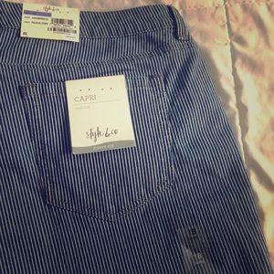 NWT Style & Co. Curvy Capri, Size 18